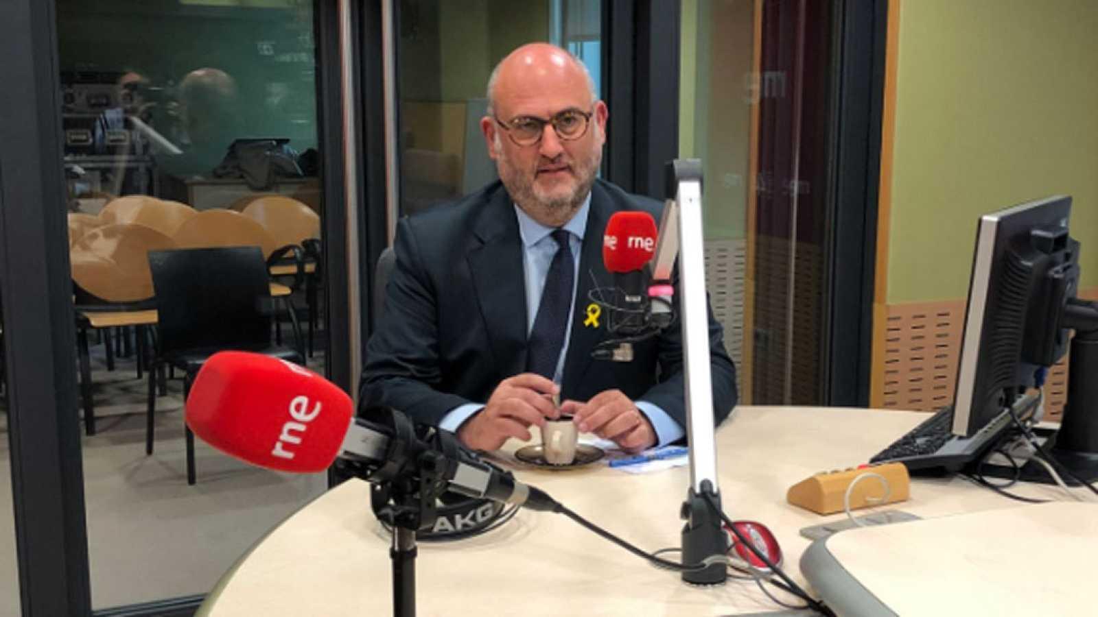 Las mañanas de RNE - Eduard Pujol (JxC) advierte que habrá una respuesta al mantenimiento del 155 - Escuchar ahora