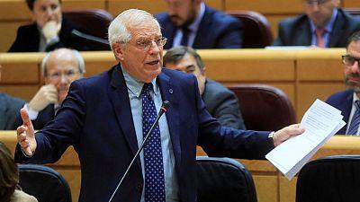 """Boletines RNE - Josep Borrel: """"Con condiciones imposibles no es posible mantener la política del Ibuprofeno"""" - escuchar ahora"""