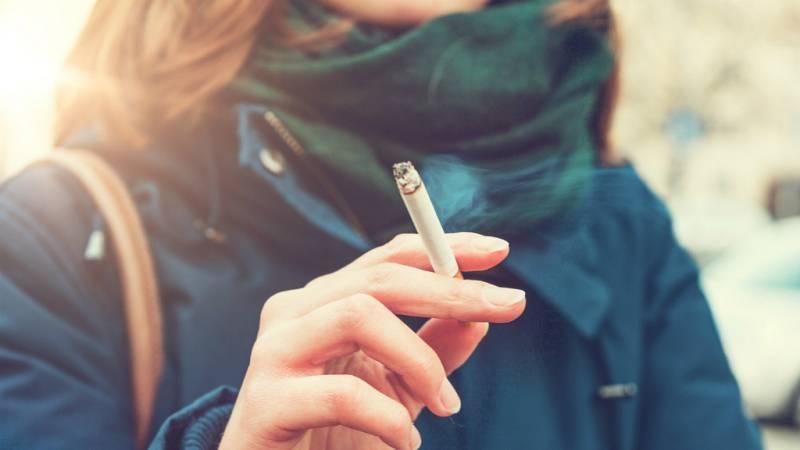 La Batalla Del Tabaco Se Debe Prohibir Fumar En Las