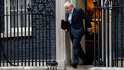 Boris Johnson afronta un triple desafío ante un Brexit sin acuerdo: el Parlamento, los tribunales y las calles. Pero el Premier británico parece dispuesto a echar mano de cualquier maniobra para salirse con la suya. Lo vimos la semana pasada, con el