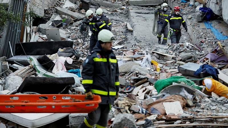 Resultado de imagen de Concluyen las tareas de búsqueda tras el terremoto en Albania con un balance de 49 muertos