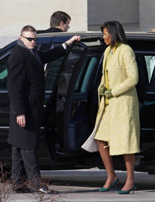 Michelle Obama, wife of President-elect Barack Obama arrives at the U.S. Capitol before the inauguration ceremony in Washington