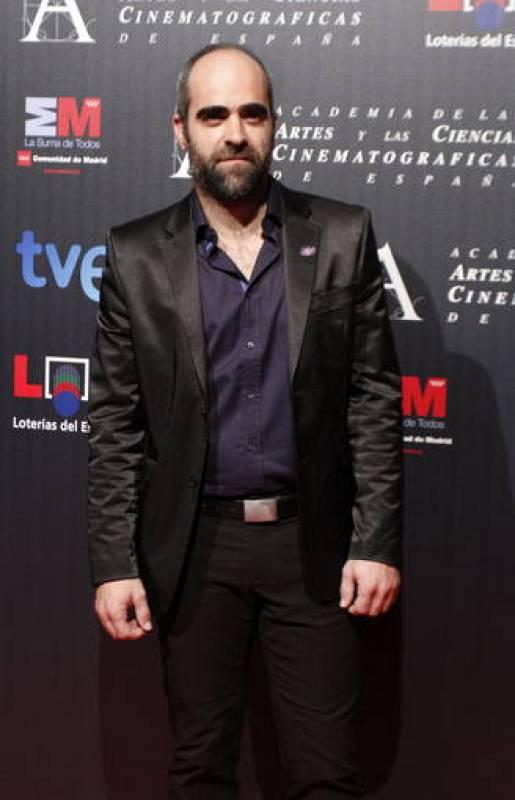 Luis Tosar, nominado a mejor actor por su papel en 'Mientras duermes' a su llegada a la fiesta