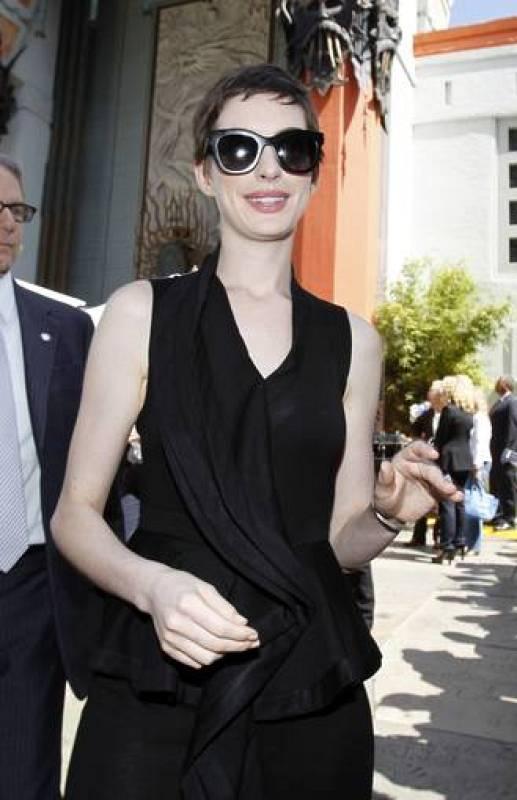 Anne Hathaway con sus gafas de sol