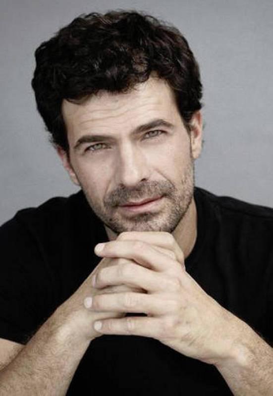 Enero. Rodolfo Sancho, el que fuera el primer protagonista de 'Amar', abre el ránking de guapos oficiales