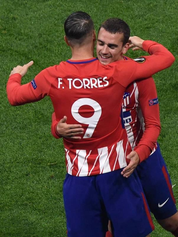 Griezmann deja su sitio en el campo a Fernando Torres en el minuto 90.