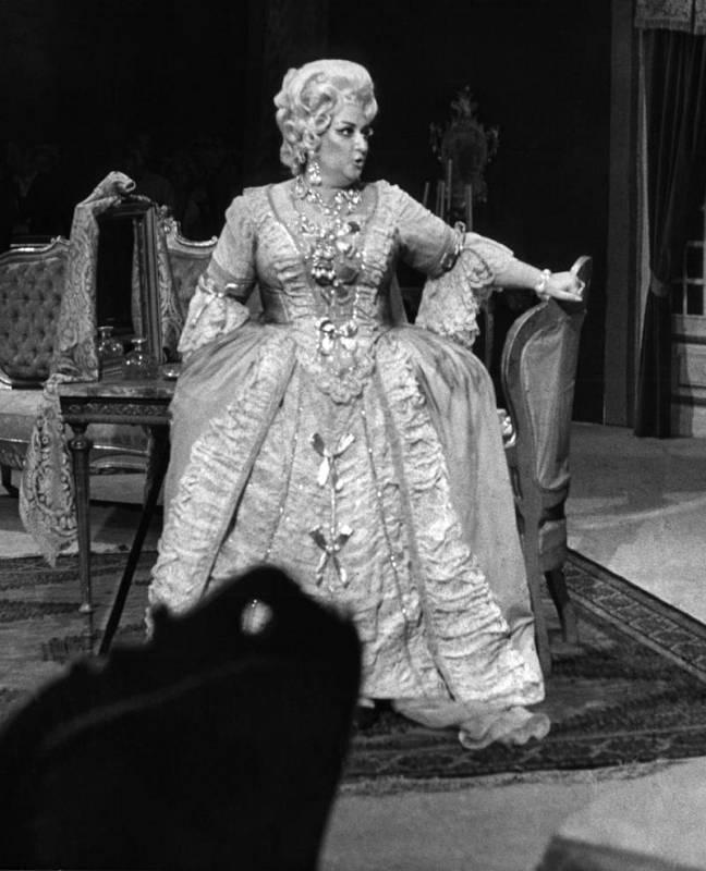 La soprano Montserrat Caballé actúa en la temporada de la ópera de Bilbao en 1969