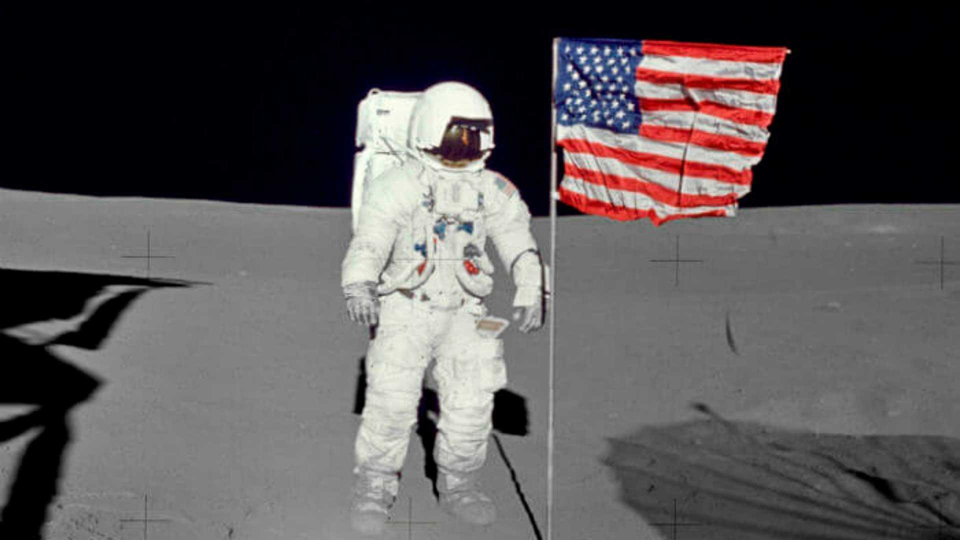 La humanidad llega a la luna