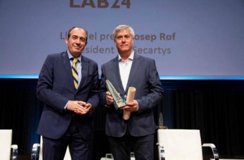 Pere Bohigas recoge el XIX Premio Conexió para el programa 'Lab24'