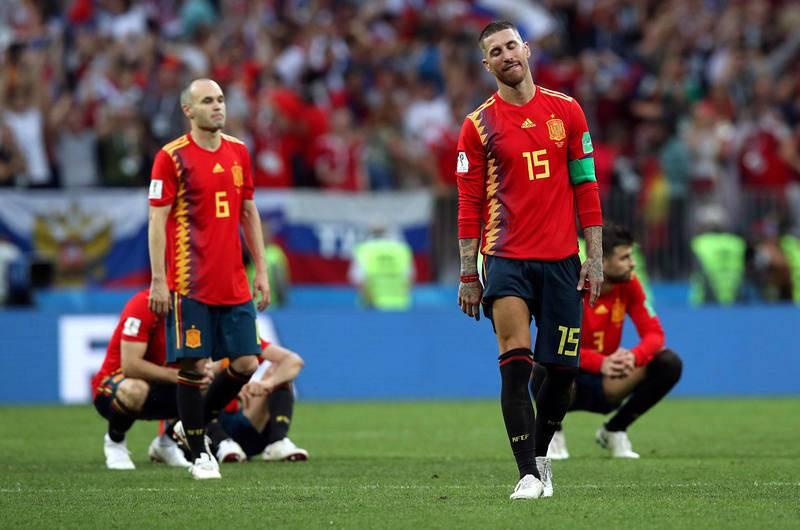 Ramos e Iniesta tras quedar eliminados ante Rusia en los octavos del Mundial 2018.