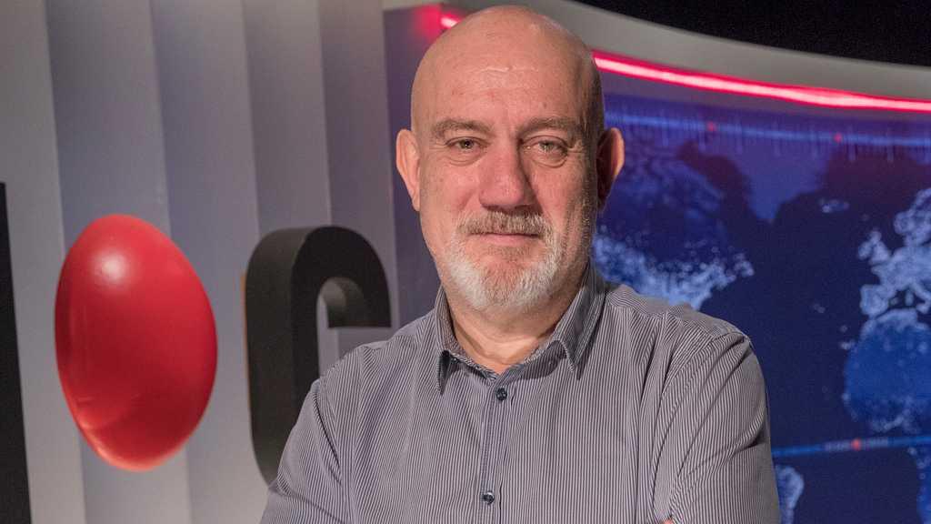 Óscar Gonzalez, director