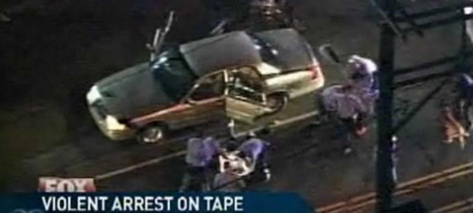15 policías golpean a tres detenidos en Pensilvania, Estados Unidos.