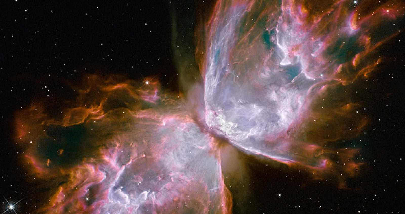 Un cuerpo celeste con forma de mariposa emerge en la nebulosa planetaria NGC 6302.