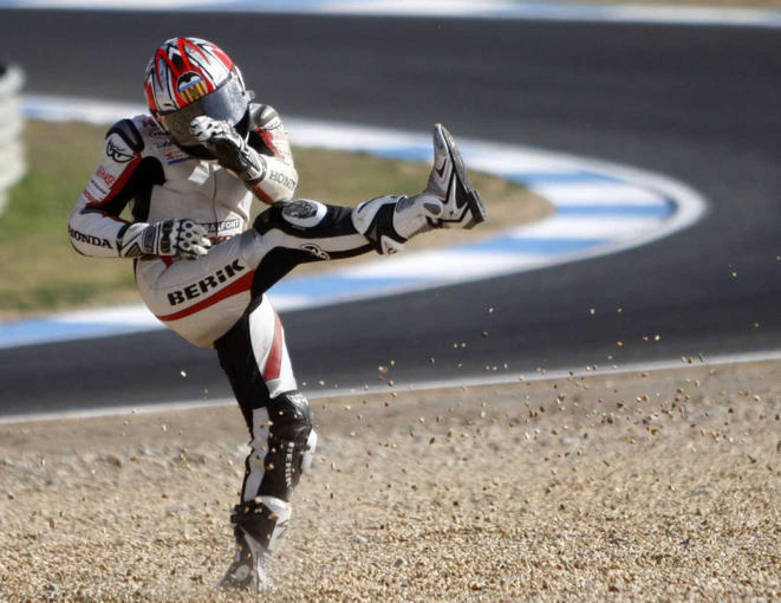 Hector Faubel se lamenta durante el Gran Premio de Estoril durante la temporada 2009