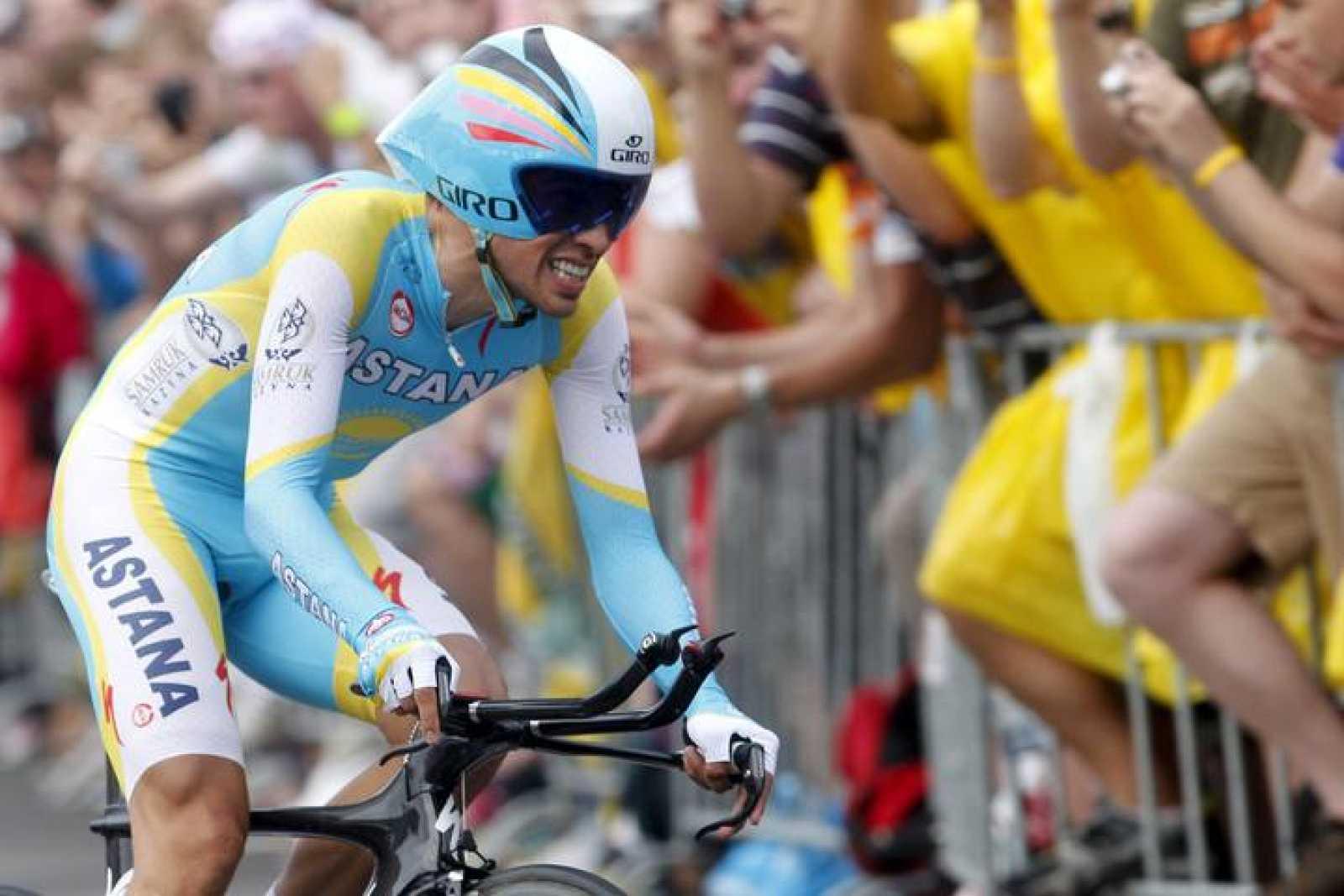 El ciclista español Alberto Contador durante la etapa prólogo del Tour.