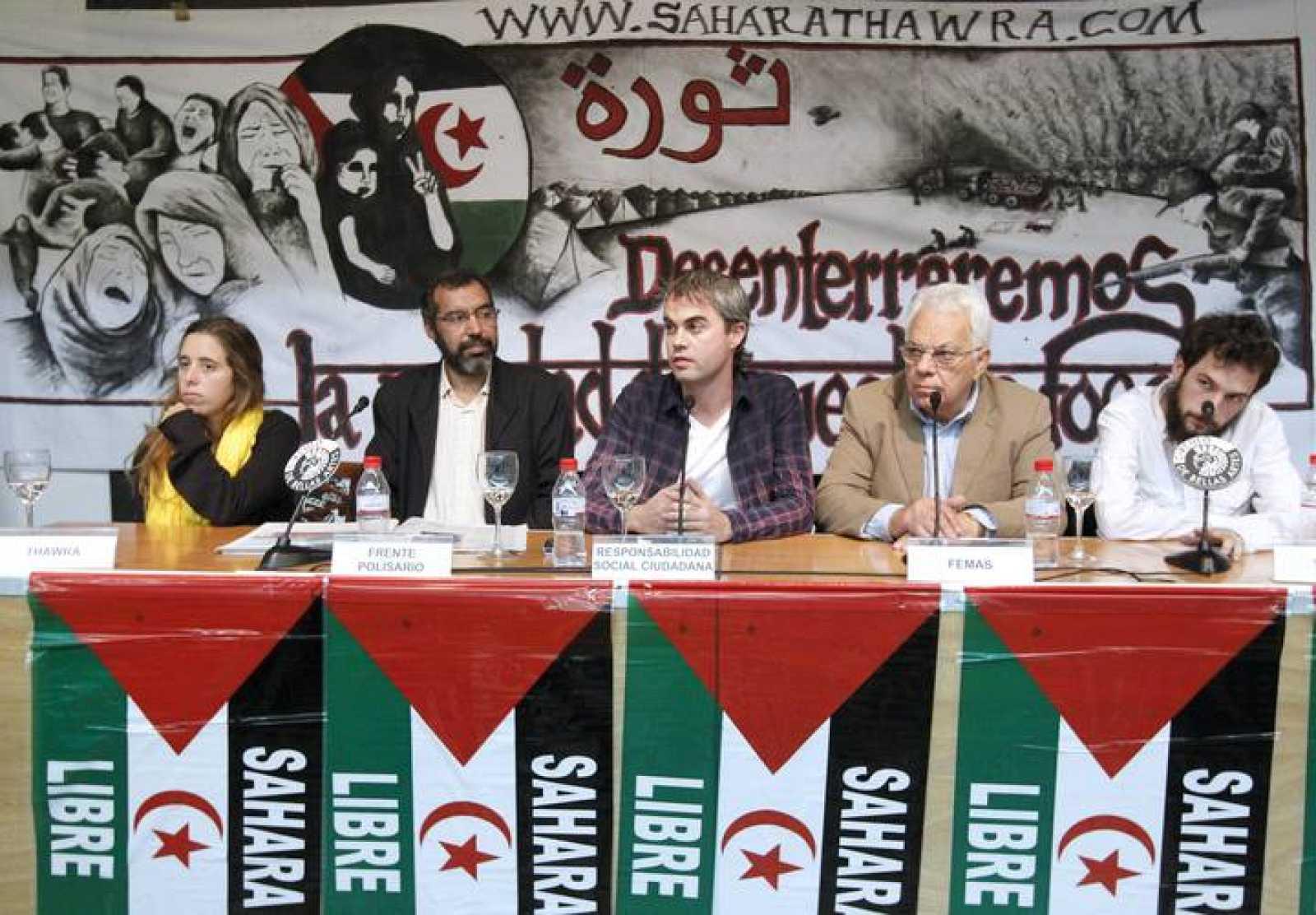 El delegado del Frente Polisario en España, Becharaya Beyun, en una rueda de prensa en Madrid.