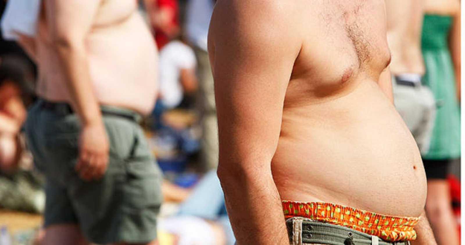 Más de la mitad de los españoles mayores de 18 años está por encima del peso considerado como normal, según se desprende de la Encuesta Europea de la Salud en España del año 2009.