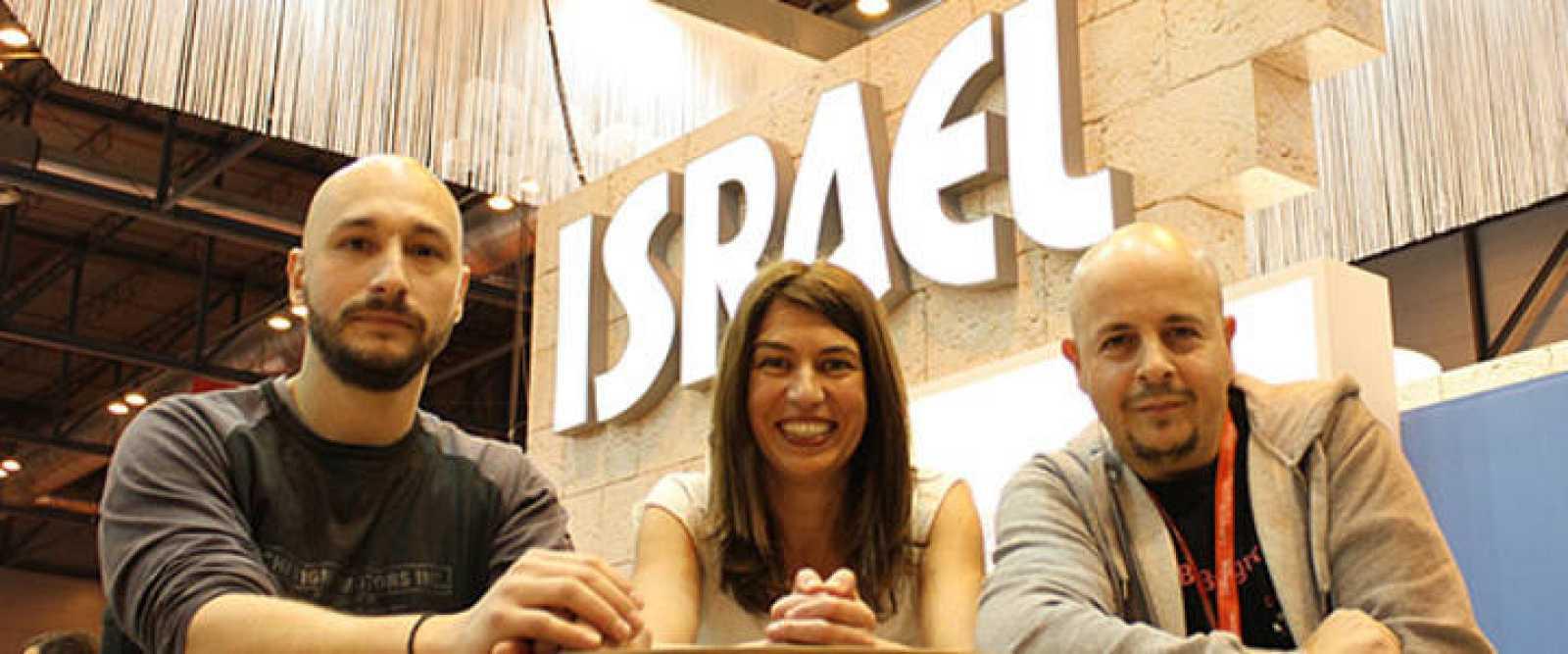 Joan Vendrell, Nani Arenas y Rafa Pérez, creadores del 'Primer encuentro de bloggers de viajes profesionales en Fitur' 2011.
