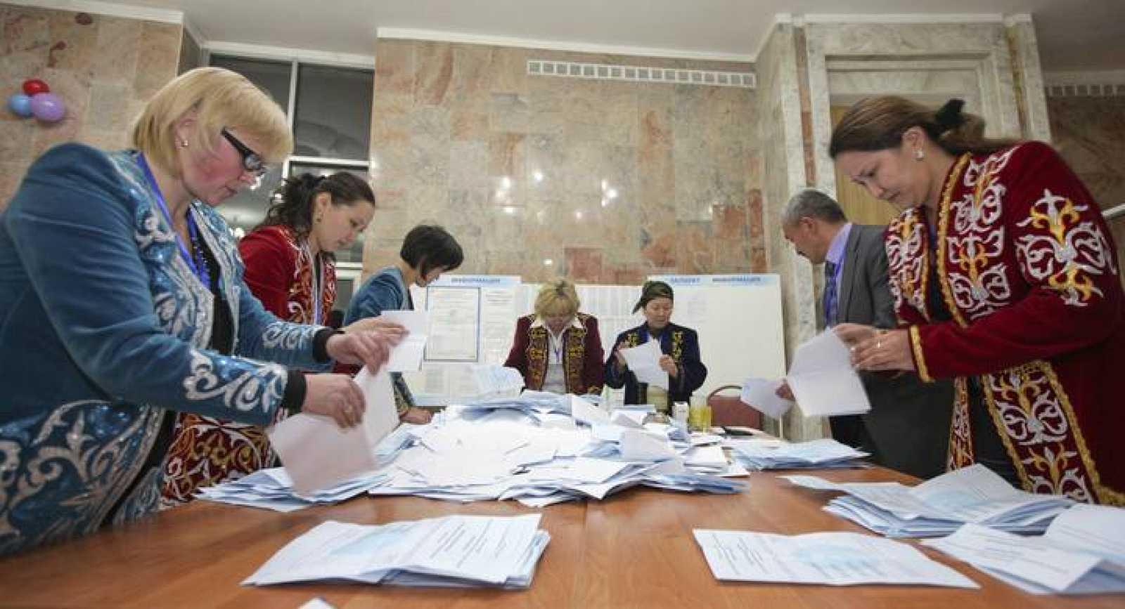 Recuento de votos en las elecciones presidenciales de Kazajistán