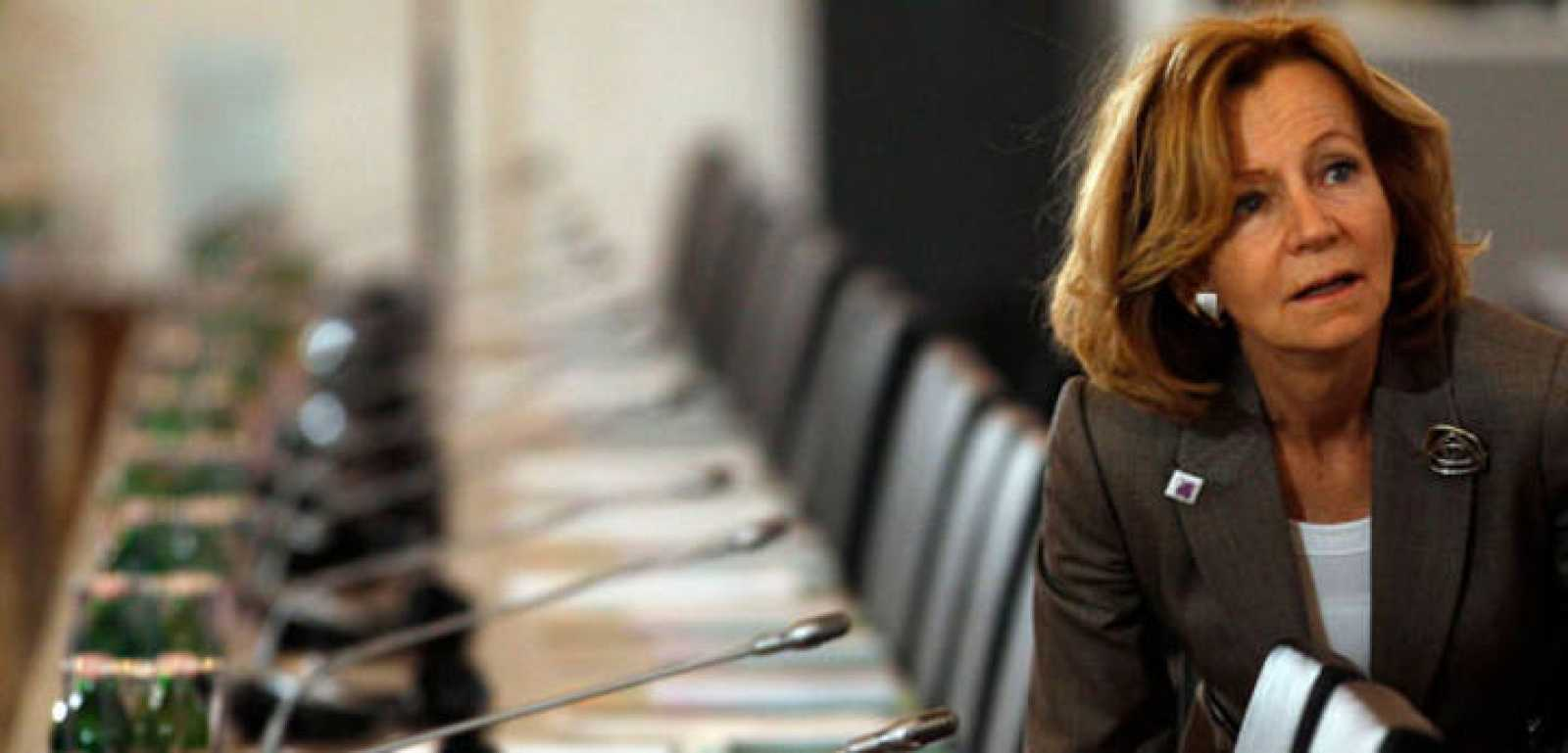 La ministra de Economía, Elena Salgado, a su llegada a la reunión de ministros de Finanzas europeos, en Hungría, este 9 de abril.