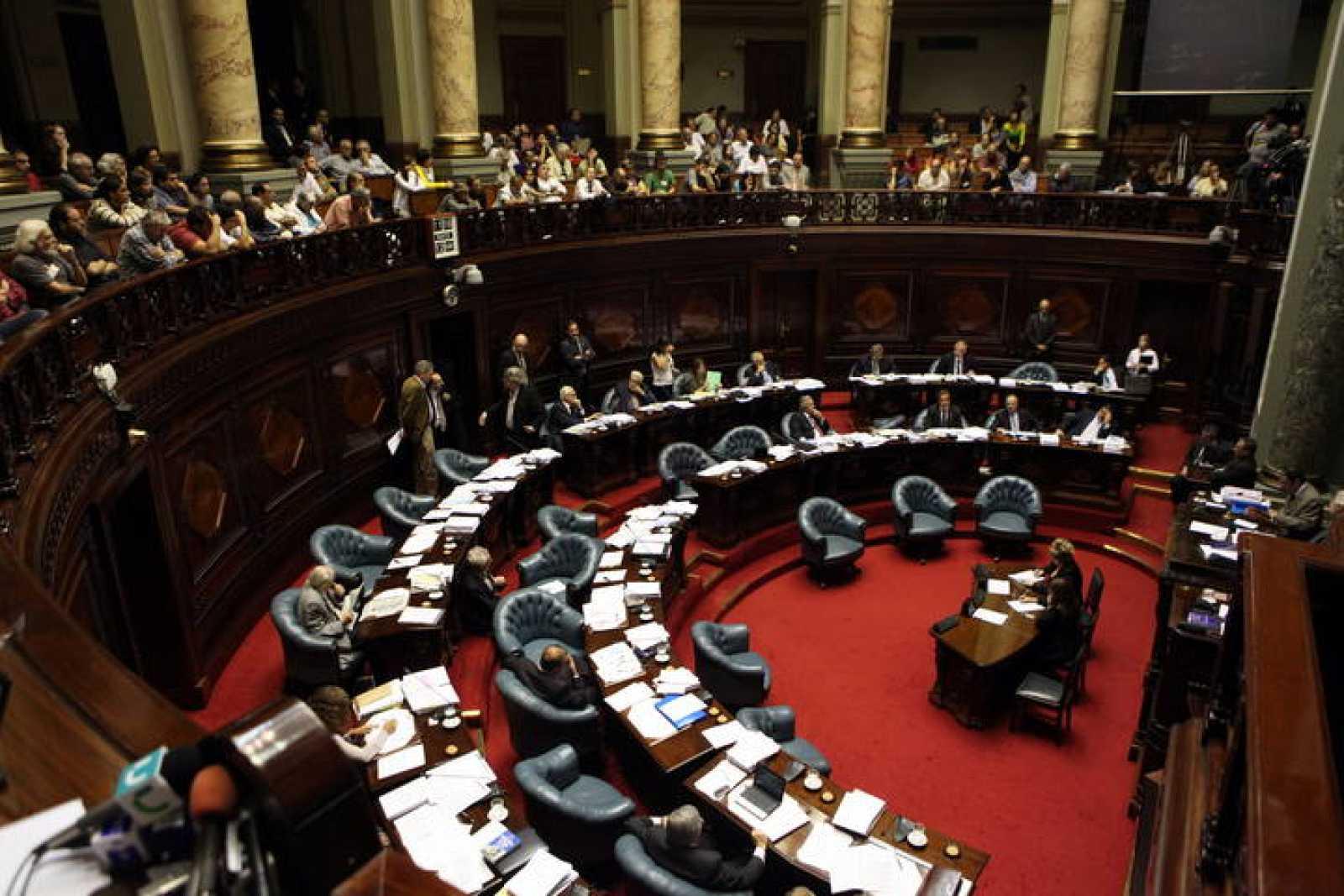 El Senado uruguayo votará una norma interpretativa de la Ley de Caducidad que abrirá las puertas sin excepción a los juicios contra militares y policías acusados de violaciones a los derechos humanos durante la dictadura que gobernó en Uruguay