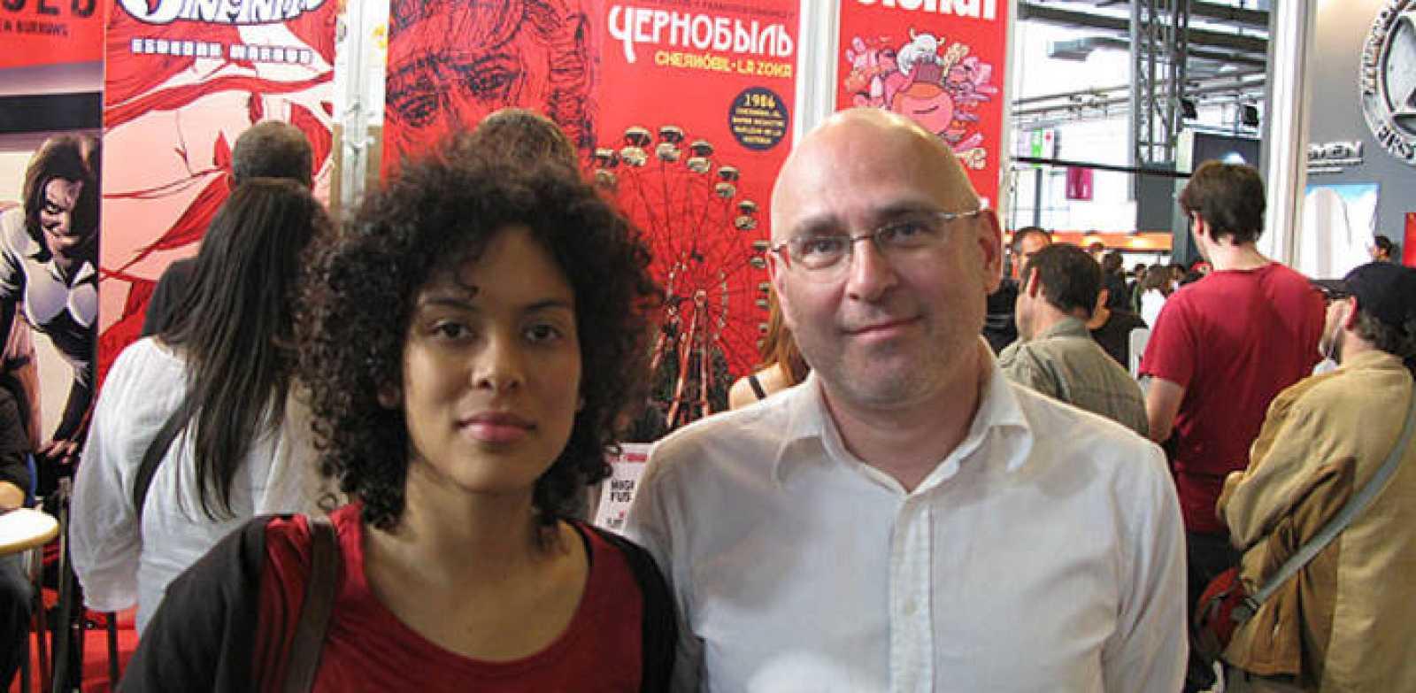 Natacha Bustos y Francisco Sánchez en el salón del Cómic de Barcelona
