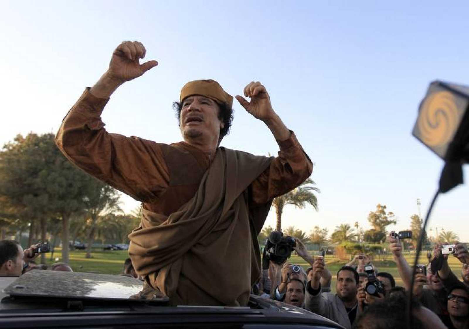 El líder libio, Muamar el Gadafi, asegura haberse refugiado lejos de las bombas de la OTAN.