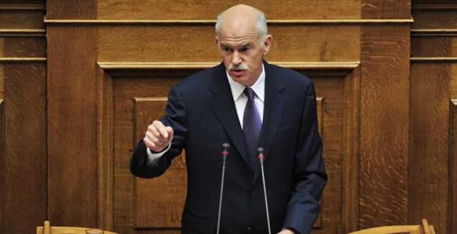 El primer ministro griego, Yorgos Papandreu, en el Parlamento de Atenas.