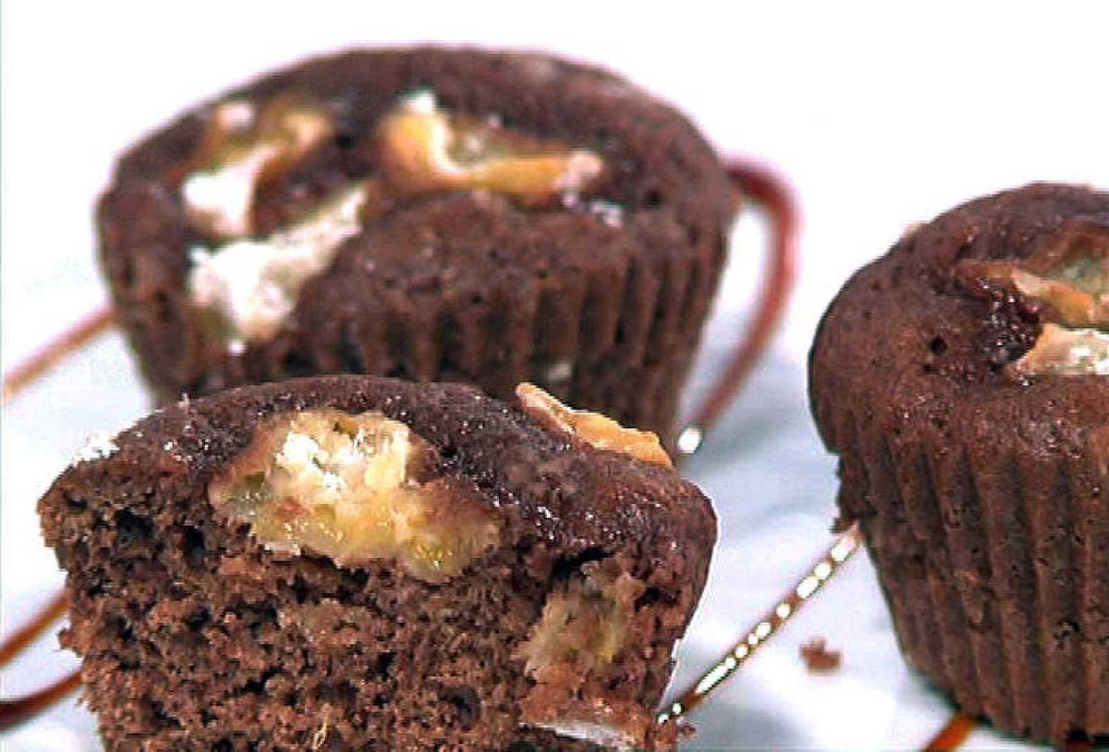 Magdalenas de chocolate, limón y albaricoques
