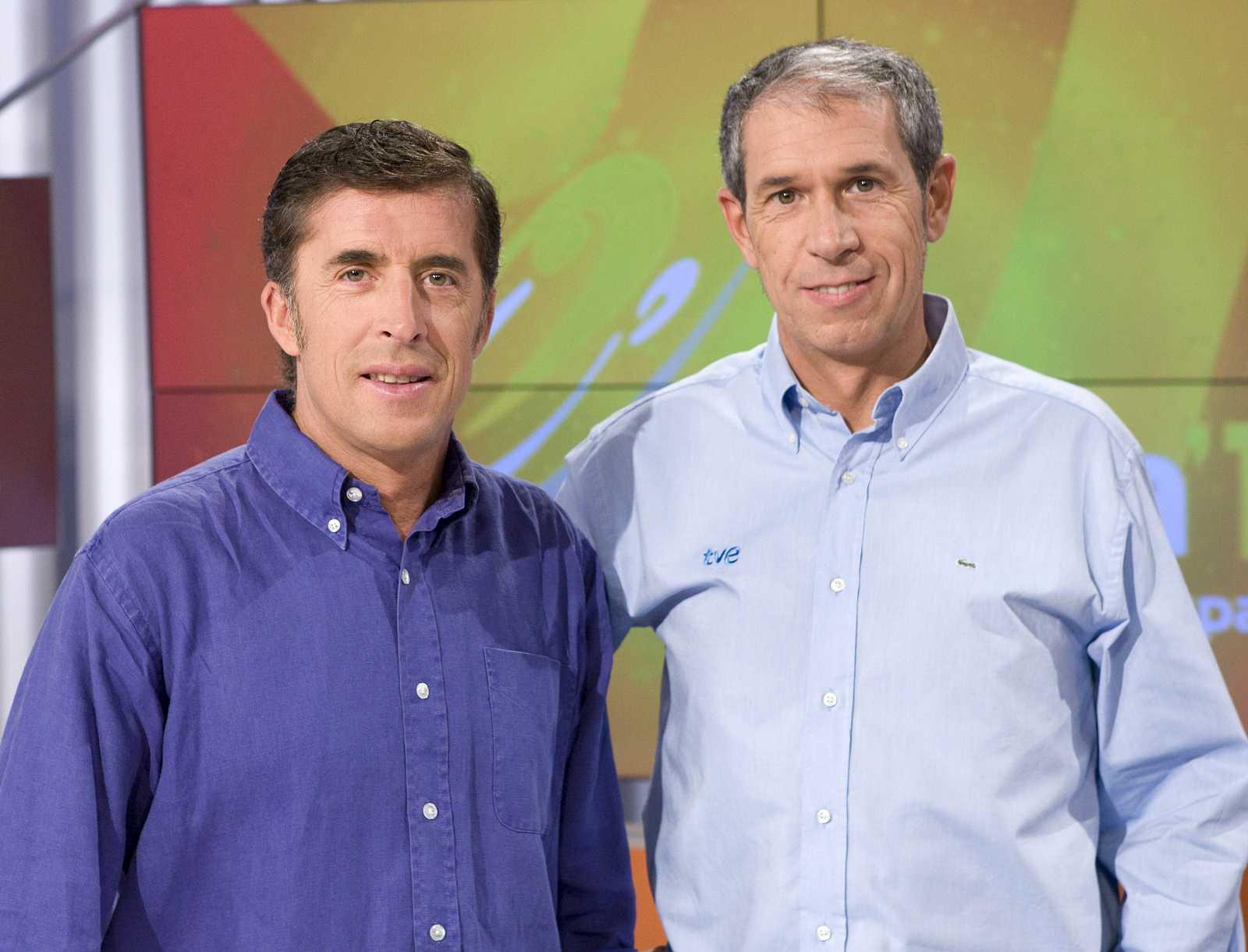 Carlos de Andrés y Pedro Delgado, los comentaristas del ciclismo en TVE.