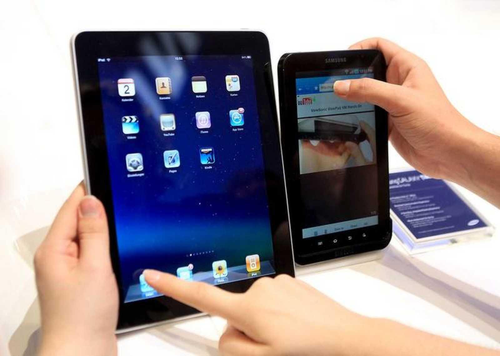 Comparación entre las tabletas desarrolladas por las dos compañías que originó esta batalla legal por las patentes