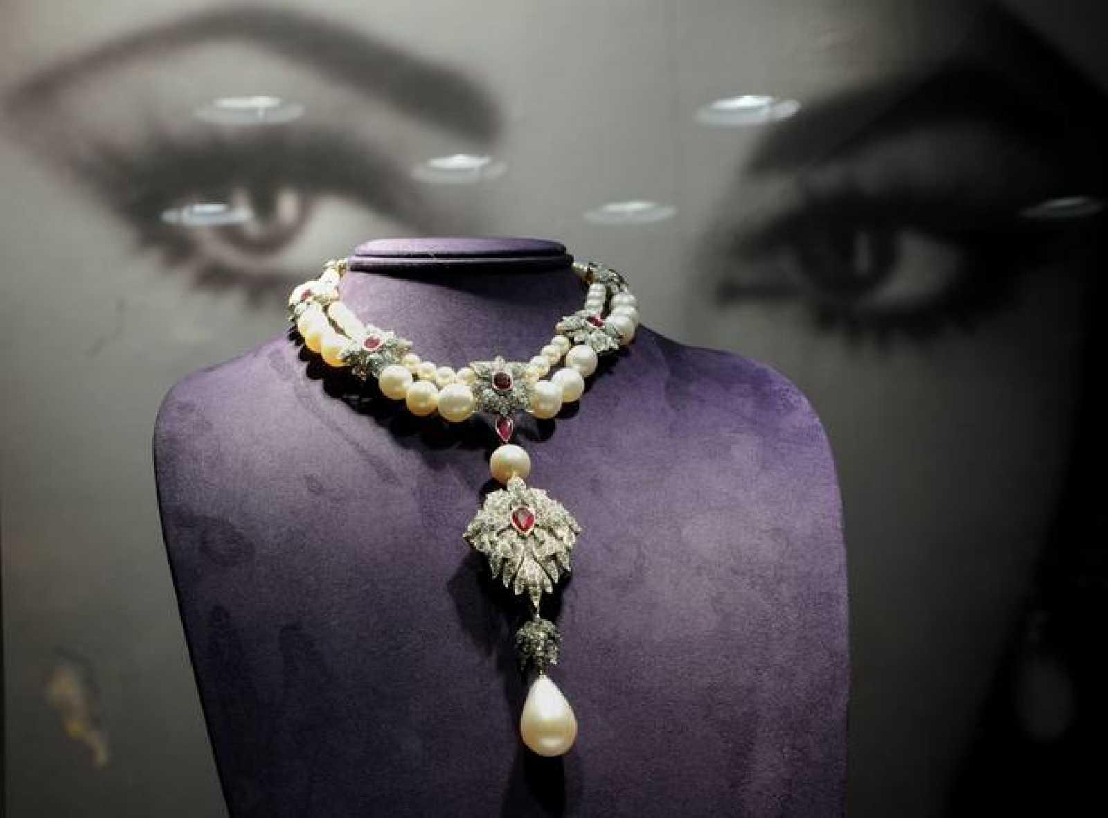 Resultado de imagen de collar liz taylor peregrina