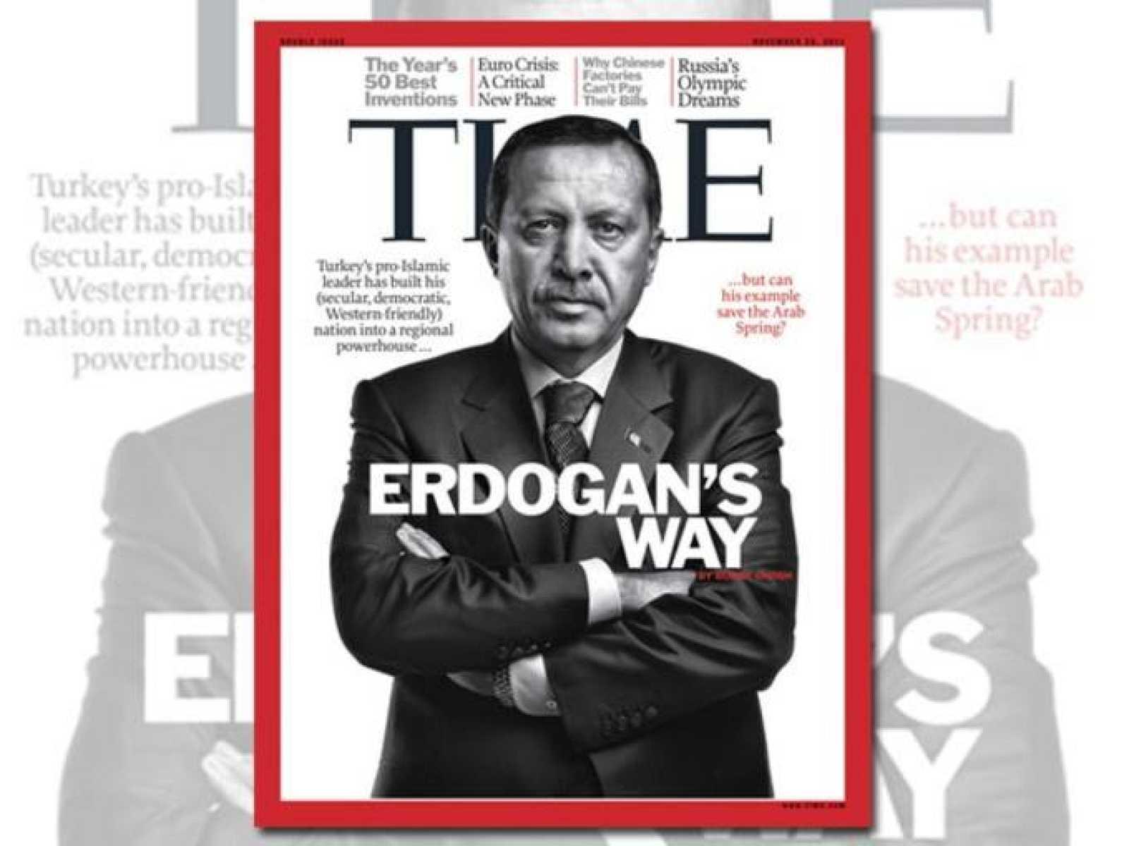 El jugador argentino del FC Barcelona, Lionel Messi, y la portada de la revista Times con Erdogan en la portada.
