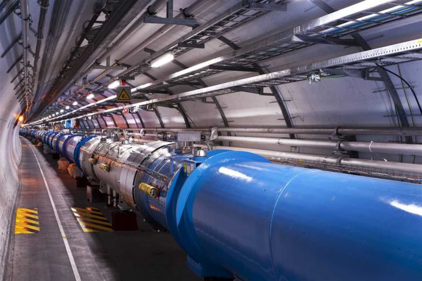 El tunel del LHC en el CERN