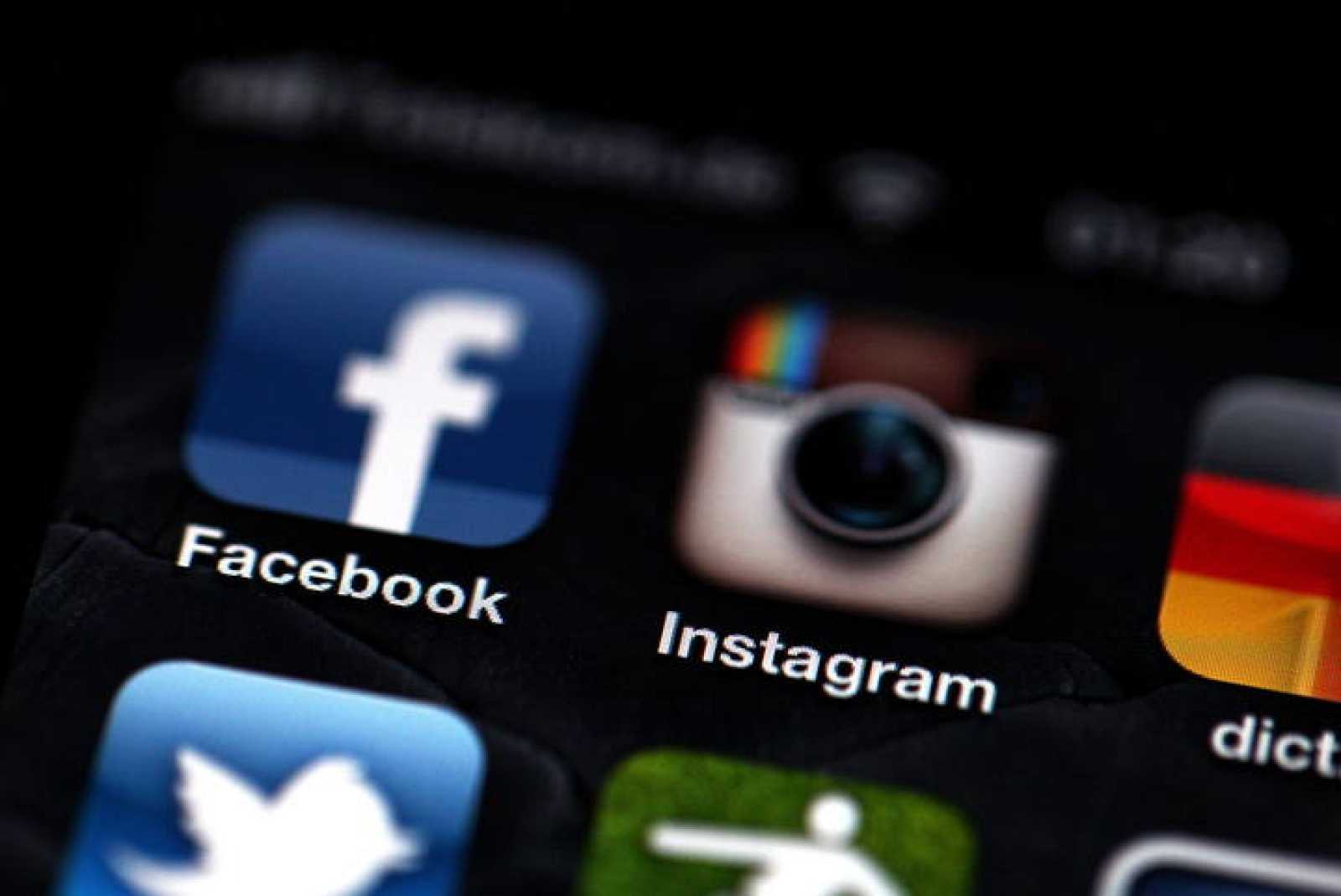 La red social Facebook anunció este lunes la compra de la aplicación fotográfica para dispositivos móviles Instagram en una operación valorada en 1.000 millones de dólares