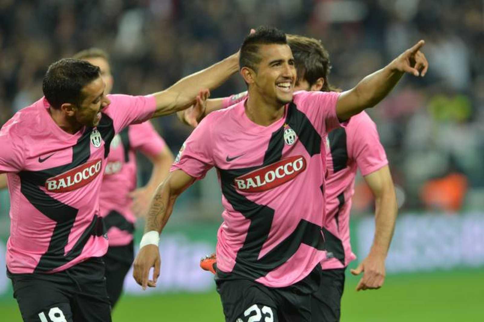 El chileno Arturo Vidal celebra un gol frente a la Roma.