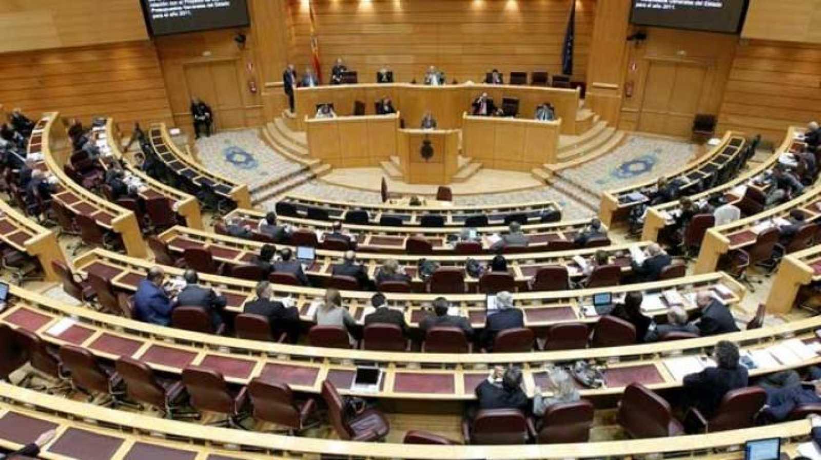 Una sesión plenaria en el hemiciclo del Senado.