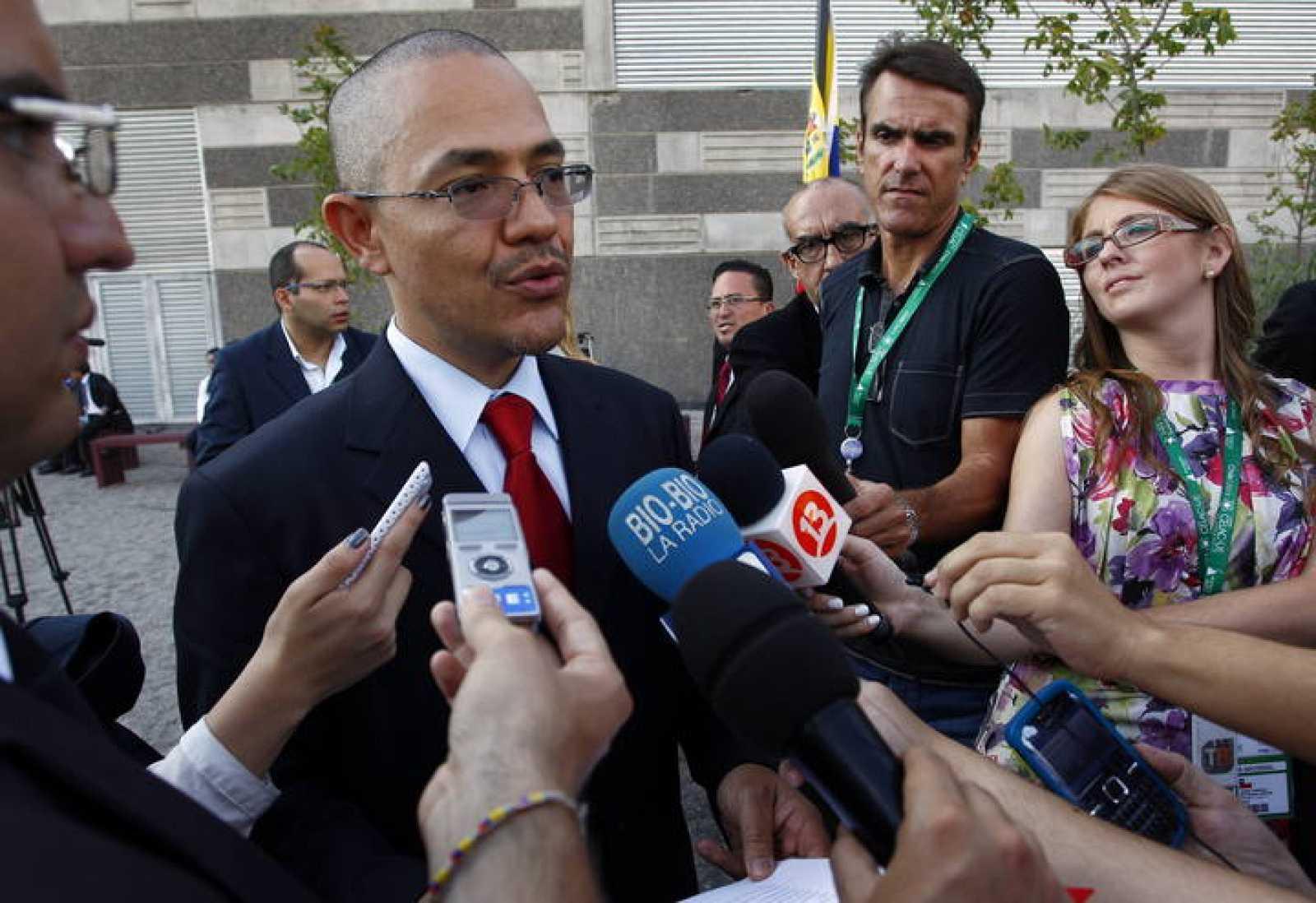 CHÁVEZ SUPERA INFECCIÓN RESPIRATORIA Y CONTINÚA SU TRATAMIENTO EN CUBA