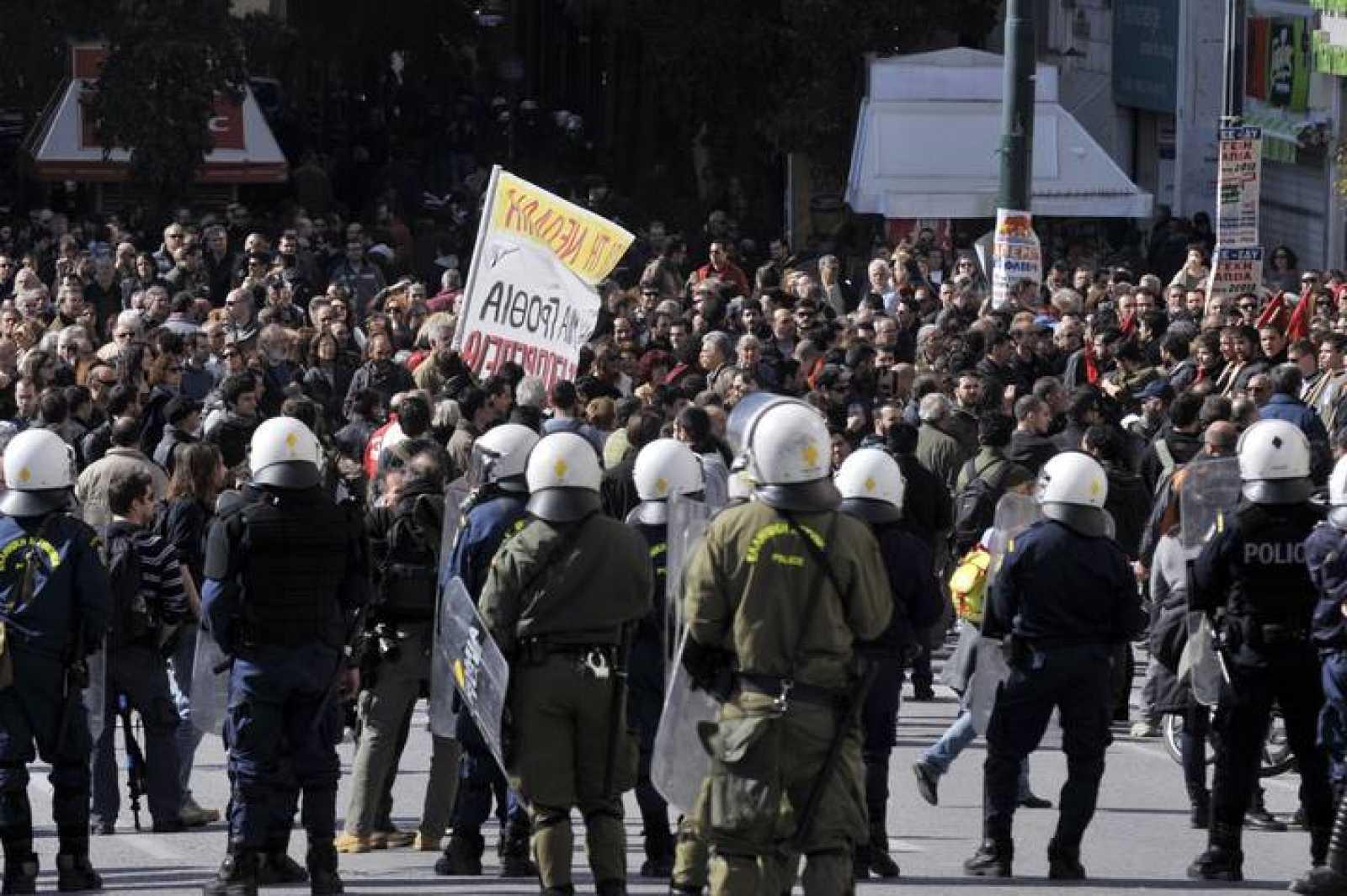 Manifestantes en el centro de Atenas