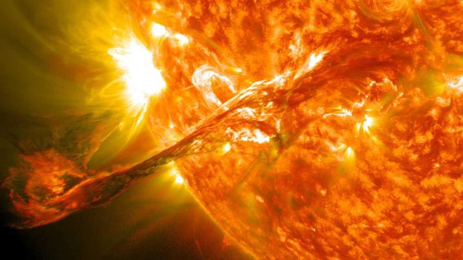 Llamarada solar captada por el Observatorio Solar Dynamics de la NASA