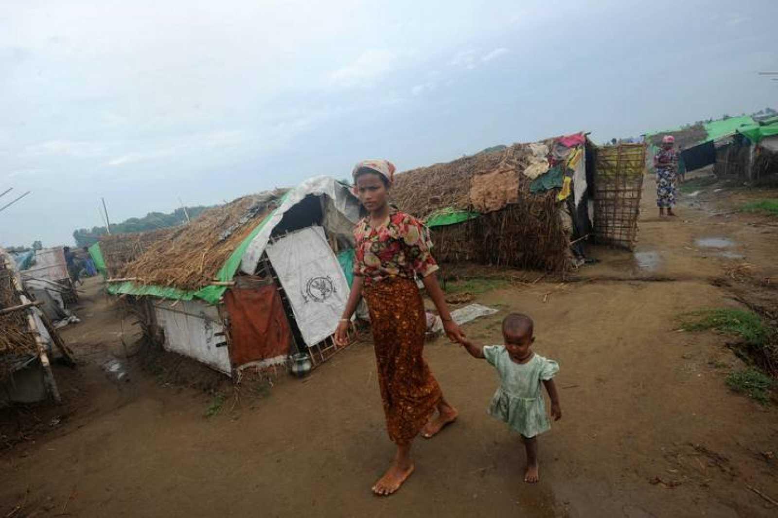Una mujer rohingya en el campo de desplazados de Mansi, en Birmania