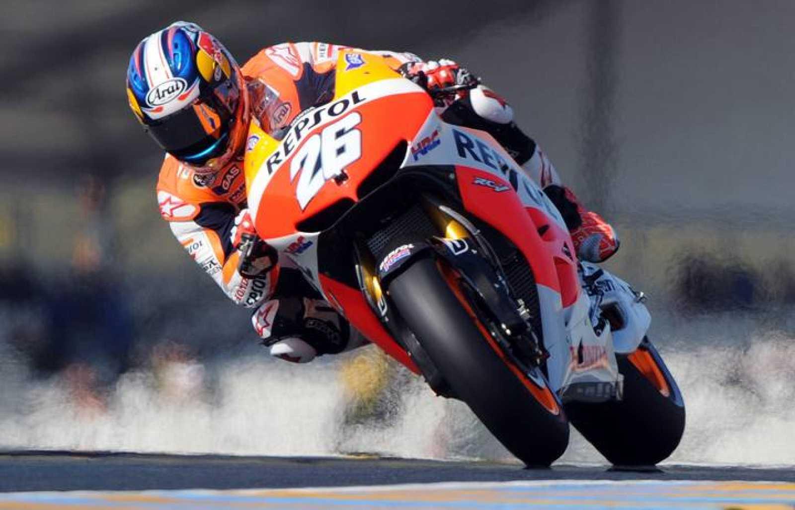 Dani Pedrosa conduce su Honda durante los entrenamientos libres del GP de Francia