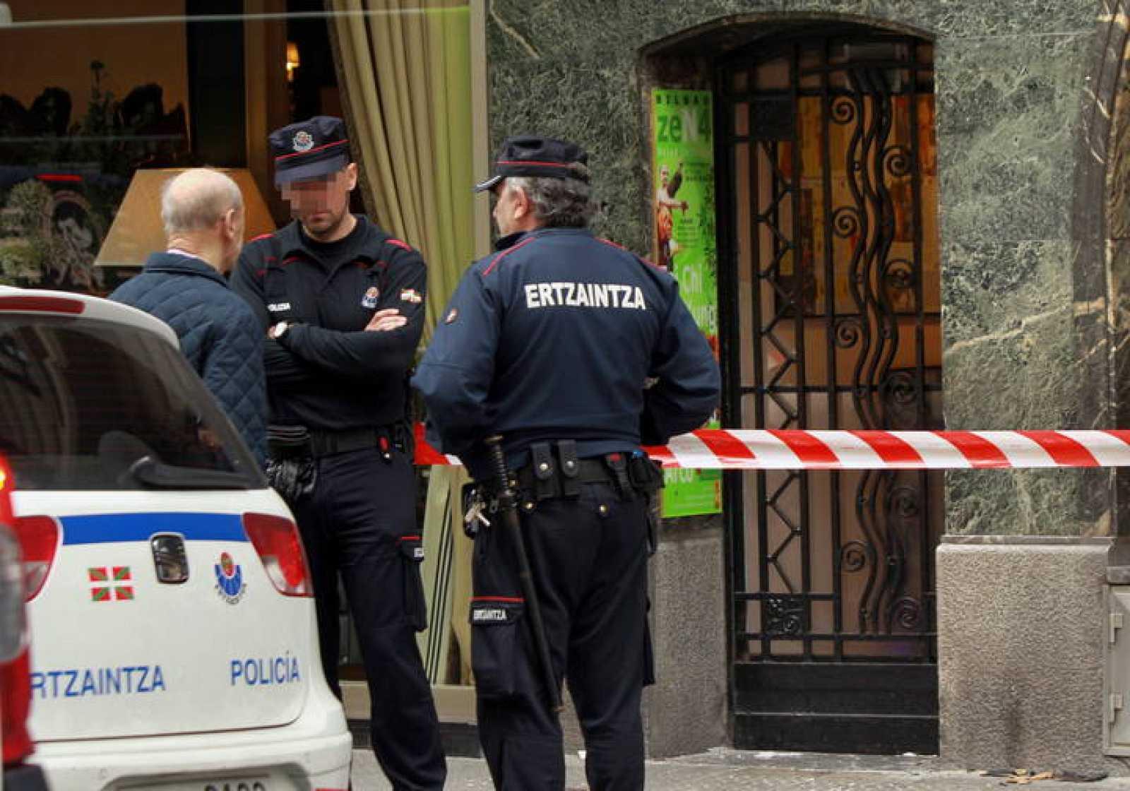 la Ertzaintza inspecciona el gimnasio de Bilbao cuyo dueño está acusado de dos asesinatos