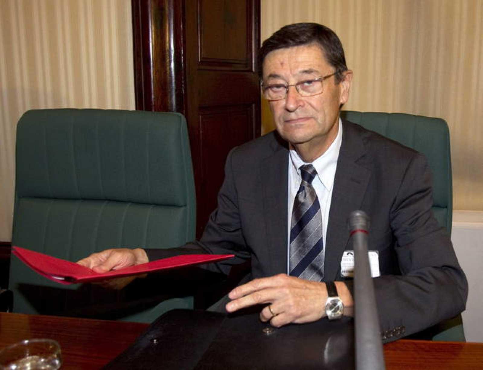 El exdirector general de Caixa Catalunya Josep Maria Loza, en su comparecencia en la comisión de investigación de la banca