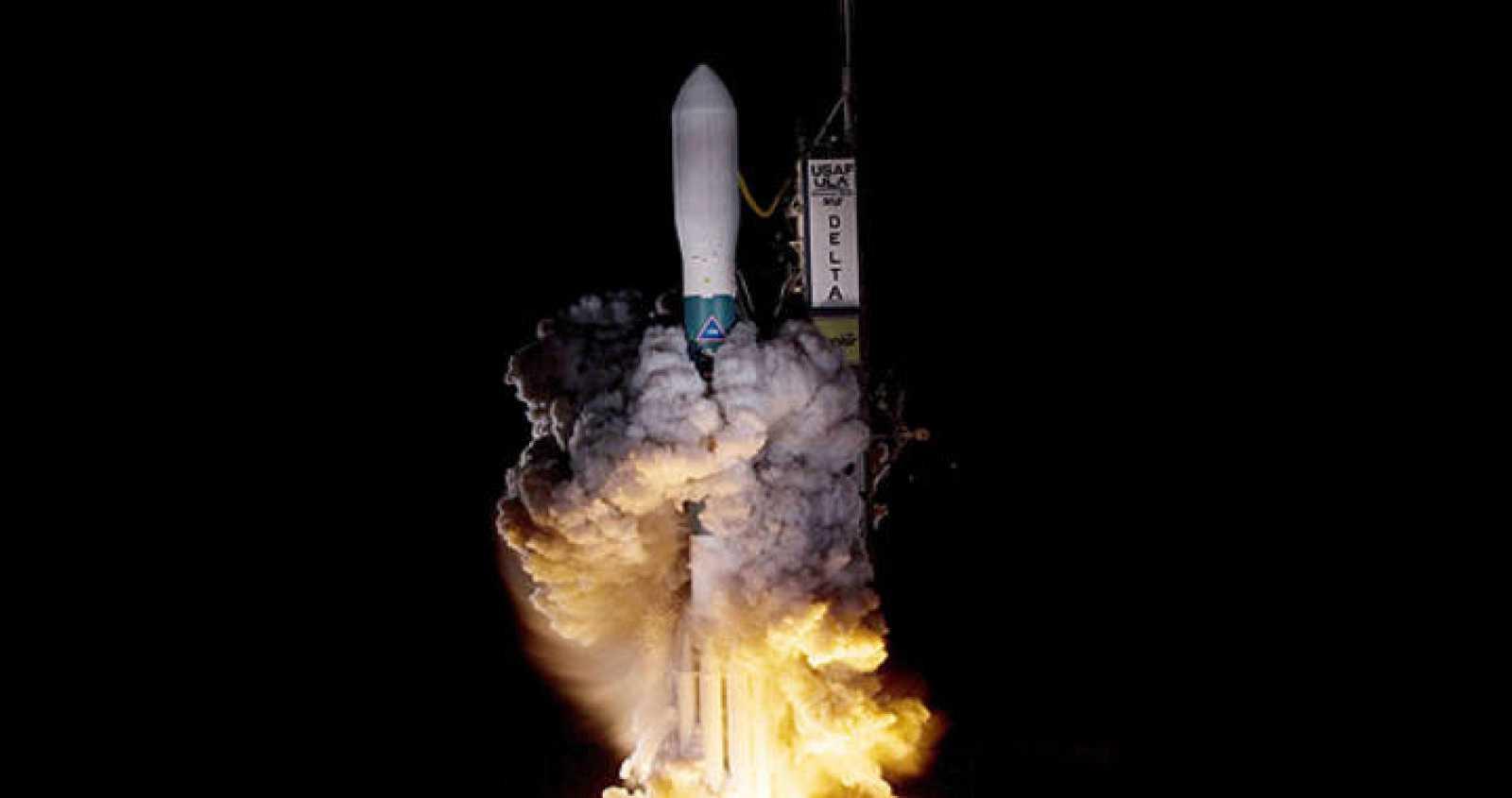 Imagen obtenida de la NASA que muestra el lanzamiento de un cohete Delta del United Launch Alliance II llevando el telescopio espacial Kepler de la NASA, el 6 de marzo de 2009.