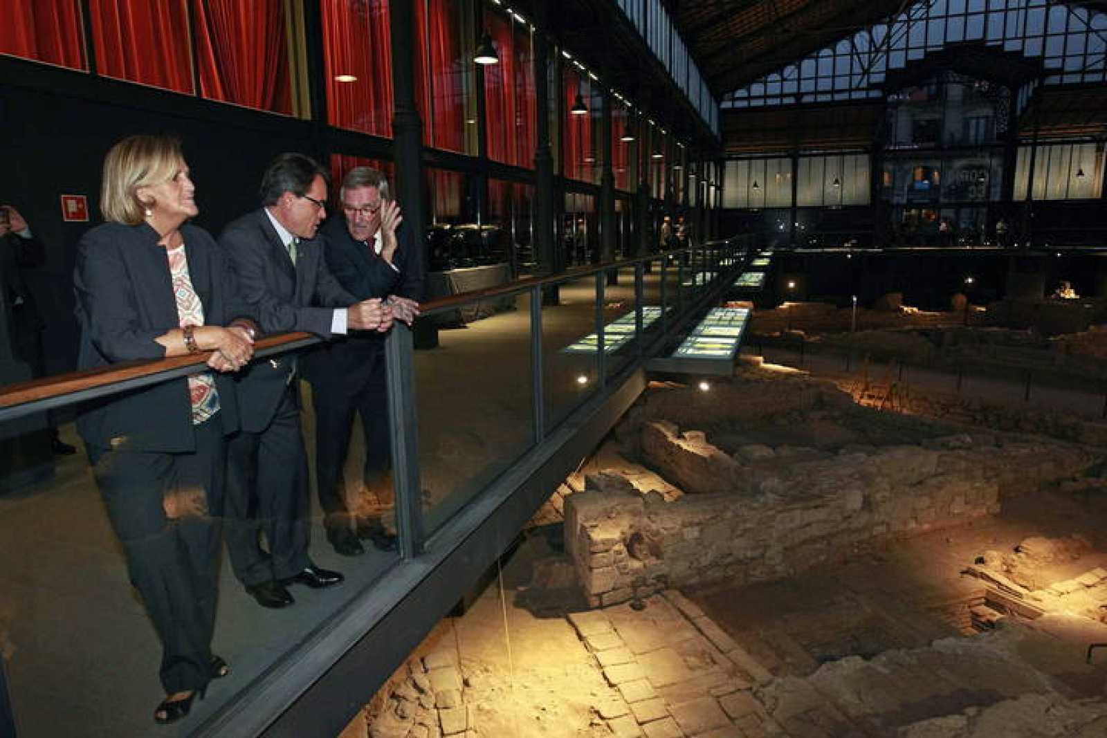 Artur Mas, Xavier Trias y De Gispert, durante la inauguración del Centro Cultural Born.