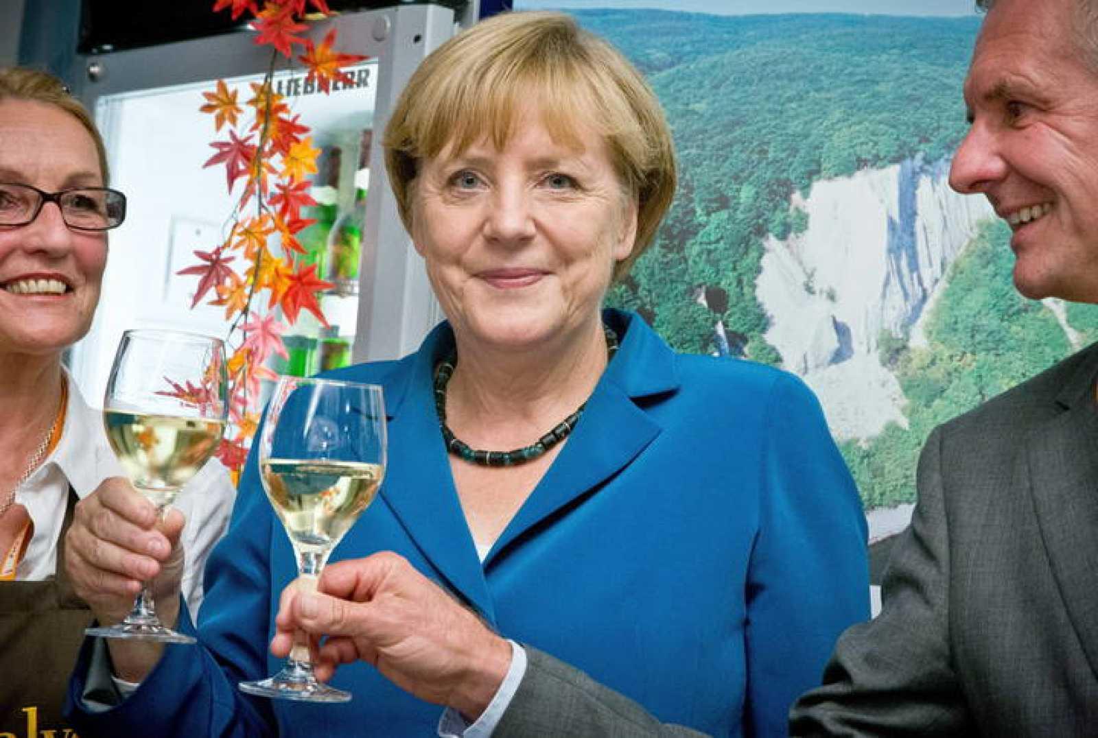 La Canciller alemana Angela Merkel celebra su tercera victoria electoral consecutiva
