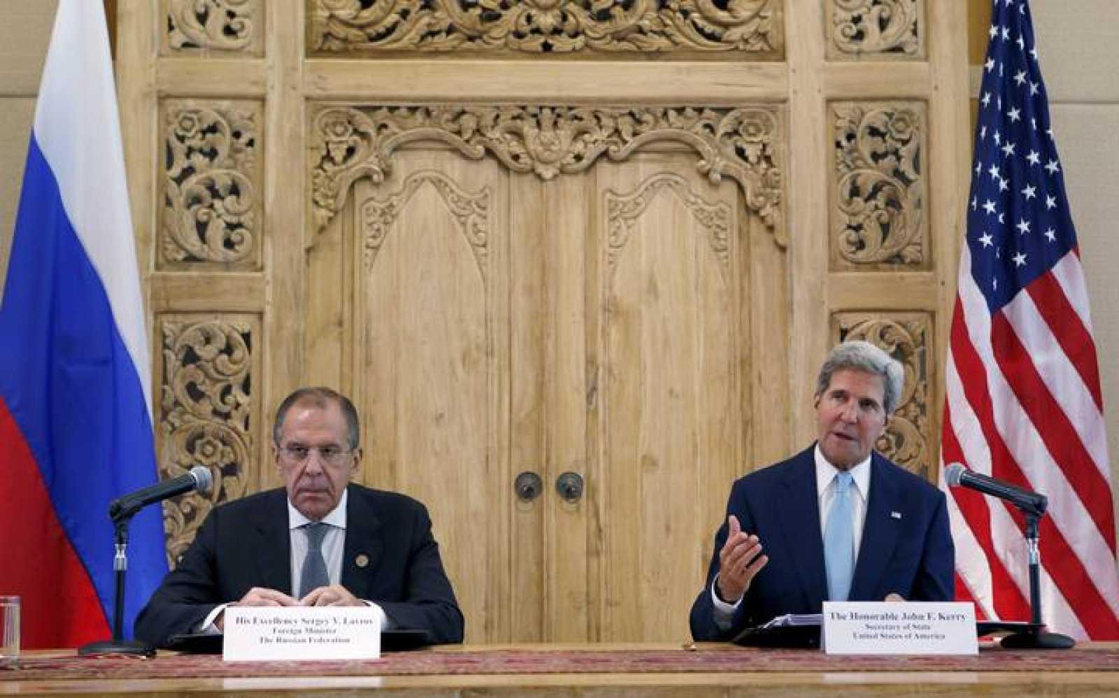 """Kerry califica de """"apropiada y legal"""" la operación militar de EE.UU. en Libia"""