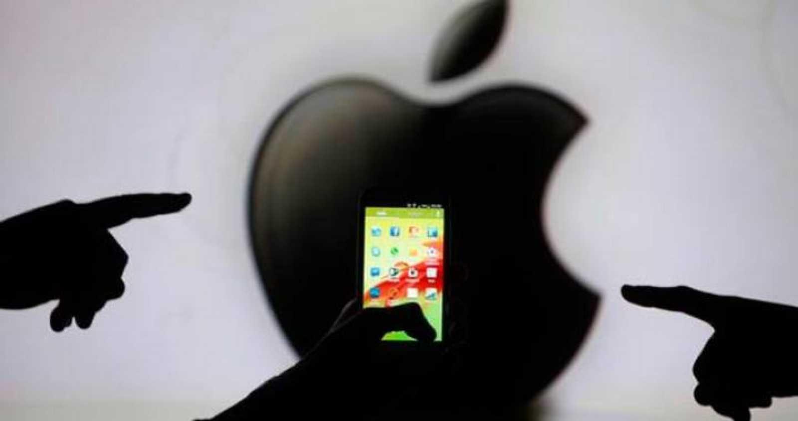 El gigante de telecomunicaciones estadounidense Apple, ha registrado una caída en sus beneficios por primera vez en 11 años