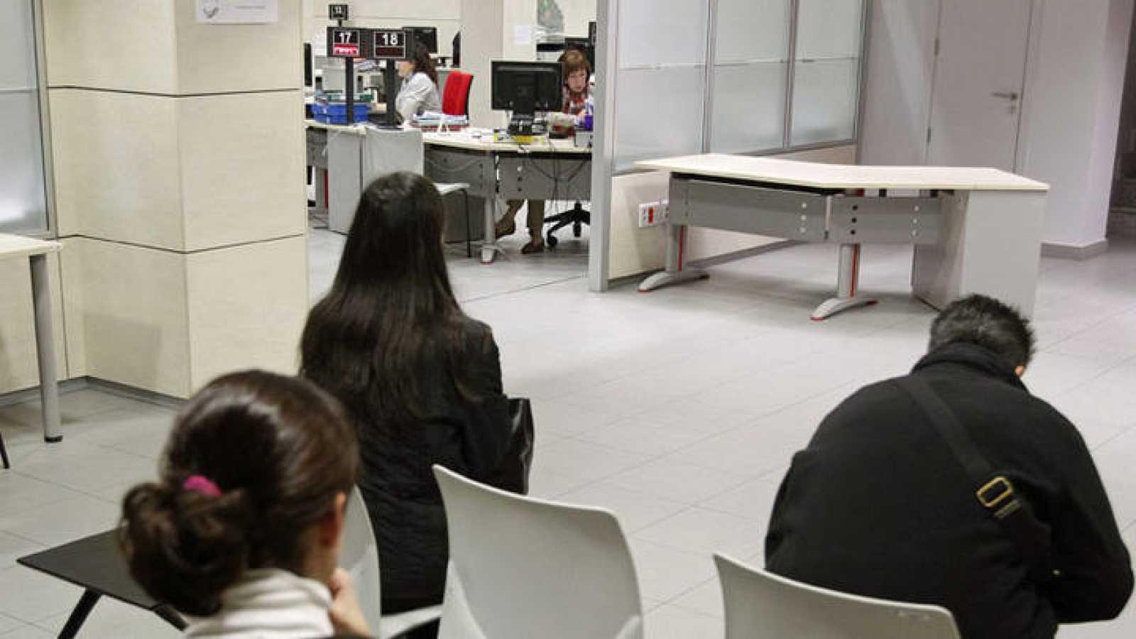 El gasto en prestaciones por desempleo baj un 14 2 en - Oficina de empleo sepe ...